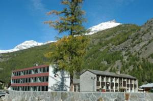 Schule-Saas-Grund